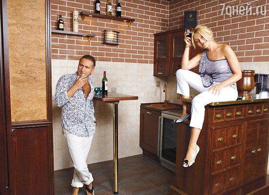 Анжелика: «Я не строитель, всеми такими делами у нас занимается Леня. В смысле ремонта мой муж очень полезный член семьи»
