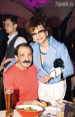 Илья Олейников и Роксана Бабаян
