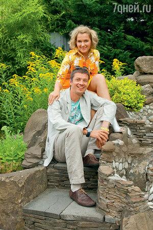«Мы с Ильей надеемся, что когда-нибудь выкроим свободную неделю, соберемся компанией и отпразднуем свадьбу»