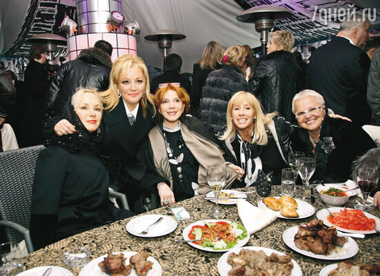 Нелли Кобзон, Алена Буйнова и Клара Новикова
