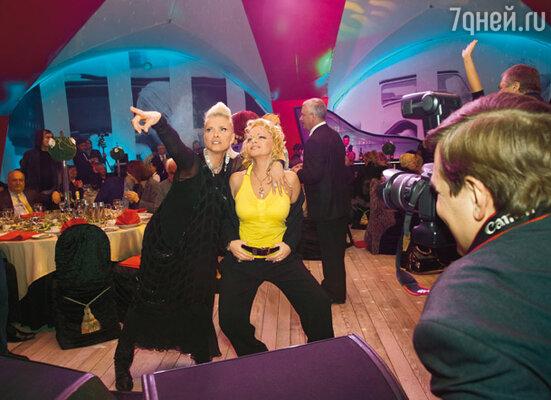Лайма успела потанцевать со всеми мужчинами и почти со всеми женщинами