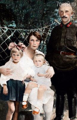 Петр Вельяминов родился в семье потомственных дворян — их роду около тысячи лет