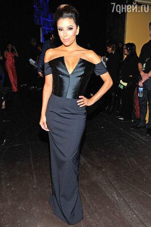 Ева Лонгория в платье от Etro на церемонии NCLA ALMA Awards 2013
