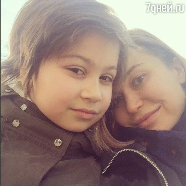 Кристина Бабушкина с дочкой