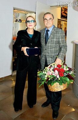 Инна Чурикова с мужем Глебом Панфиловым