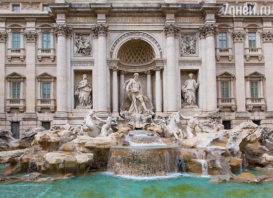 Княгиня Зинаида снимала палаццо Поли (туристам это здание больше известно как «фонтан Треви») близ площади Иоанна Латеранского, и вскоре жизнь русской колонии в Риме стала строиться вокруг ее римского дворца