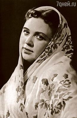 Моя мама, актриса  Людмила Красикова,  очень нравилась мужчинам