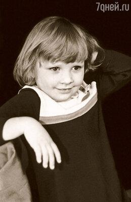 Катя с детства похожа на отца