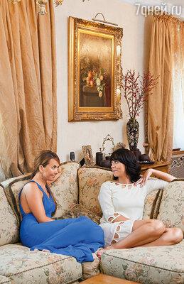Наташа всегда тянулась за Жанной, переживала, если вдруг понимала, что кто-то с ней дружит только потому, что она сестра популярной певицы