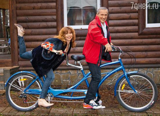 Символичный спортивный велосипед-тандем Игорь получил в подарок от друзей в прошлом году к своему юбилею