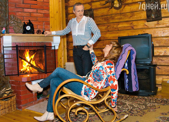 В гостевом доме и хозяева любят посидеть у камина