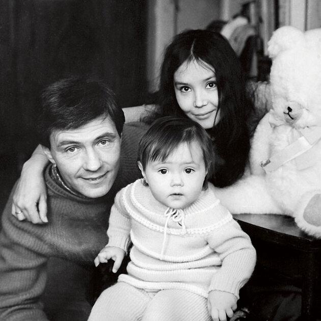 Николай Двигубский и Наталья Аринбасарова с дочерью