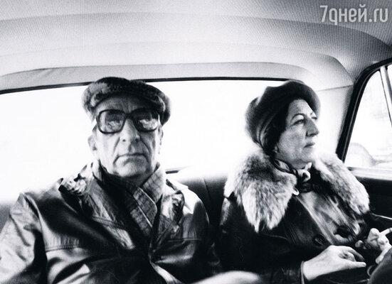 Гога питал страсть к автомобилям. Водить научился поздно, в пятьдесят «с хвостиком». С сестрой Нателой