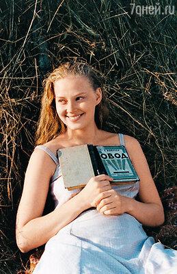 «Света могла бы стать великой актрисой, но… оказалась немножко неумненькой». Светлана Ходченкова в фильме «Благословите женщину». 2003 г.