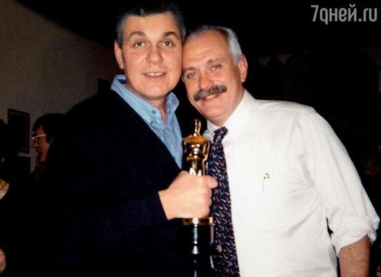 Михалков получил «Оскара». Я возьми да пошути: «До свидания, Никитушка. Теперь захлебнешься тщеславием, здороваться с друзьями перестанешь»