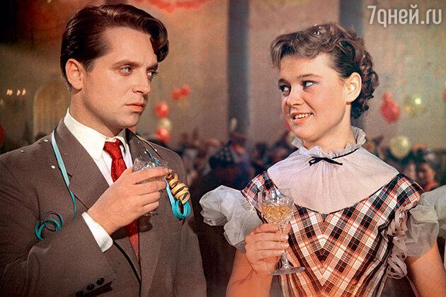 Людмила Гурченко  с Юрием Беловым в фильме «Карнавальная ночь». 1956 г.
