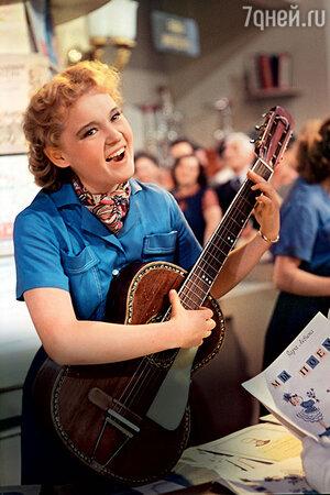 Людмила Гурченко в фильме «Девушка с гитарой». 1958 г.