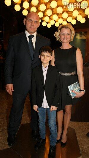 Светлана Хоркина с сыном Святославом, Александр Карелин