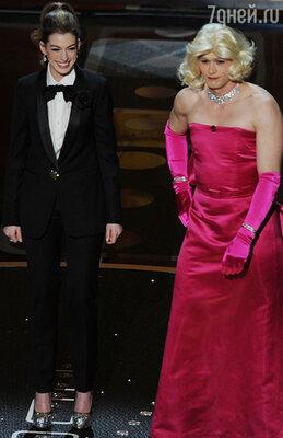 Энн Хэтэуэй  и Джеймс Франко. «Оскар-2011»