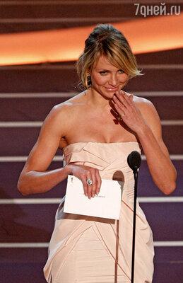 На «Оскаре-2008»  Камерон Диаз не смогла с первого раза произнести слово «кинематография».