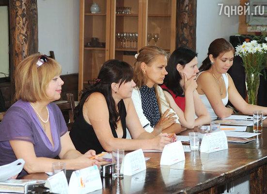 Проблемы женщин в современном мире  обсуждались на пресс-бранче «Время женщины»