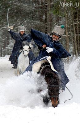 Для съемок по всей Псковской области искали лошадей, приученных к седлу