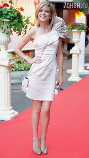 Ксения Бородина на премии May fashion «Топ 100 самых красивых людей Москвы» 2011