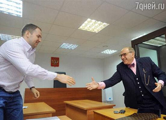 Адвокат Марины Яблоковой  Сергей Жорин (слева) и  адвокат Филиппа Киркорова Александр Добровинский