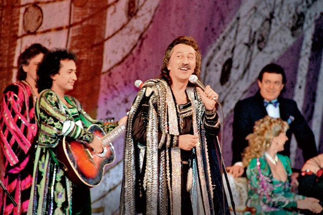 Дядя Наргиз — Фаррух Закиров прославился вСССР песней «Учкудук — три колодца»