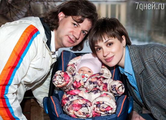Ирина Муромцева с мужем и дочерью