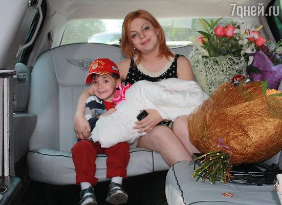 Анетта Орлова с сыном