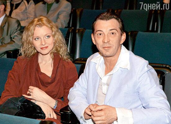 Анна сохранила хорошие отношения с бывшим мужем Николаем Добрыниным — отцом своего сына Михаила. 2006 г.