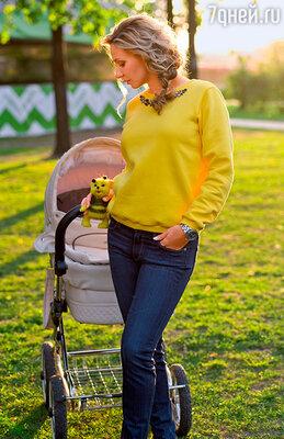 «Все-таки материнство — этонис чем не сравнимое счастье. Вы не поверите, ноя именно так воспринимаю рождение Нади: словно я еще одну Олимпиаду выиграла!»