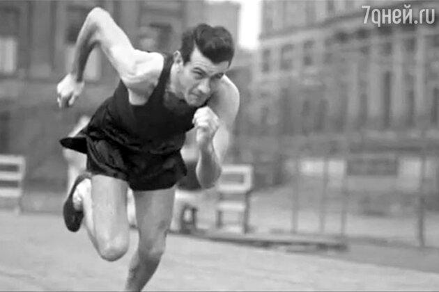 Луи Замперини   участвовал в Олимпийских играх 1936 года в Берлине