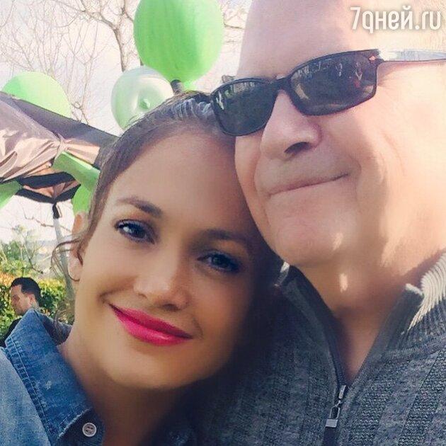 Дженнифер Лопес с папой
