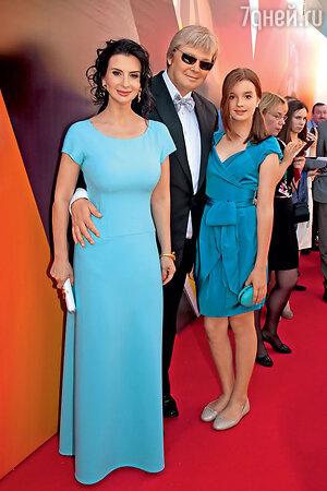 Екатерина Стриженова с мужем Александром Стриженовым и дочерью Александрой