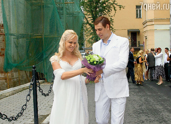 «После свадьбы мы с Танечкой решили взять время для того, чтобы внутренне подготовиться к венчанию»