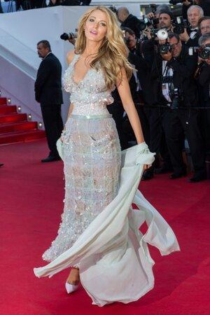 Блейк Лайвли в платье от Chanel