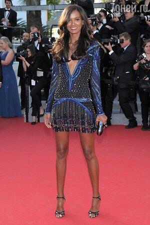 Лия Кебеде в платье от Roberto Cavalli
