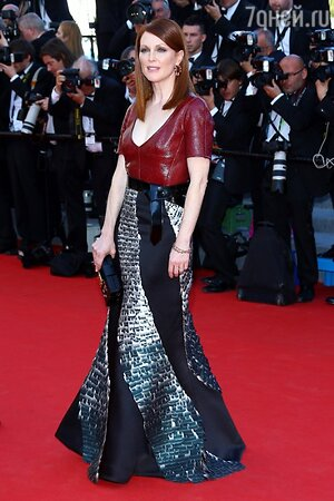 Джулианна Мур в наряде от Louis Vuitton