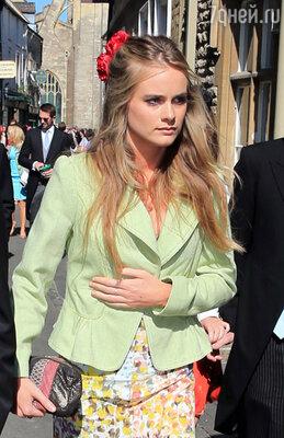 7 октября весь мир потрясла новость о том, что 28-летний рыжеволосый британский принц Гарри женится на 24-летней блондинке Крессиде Бонас