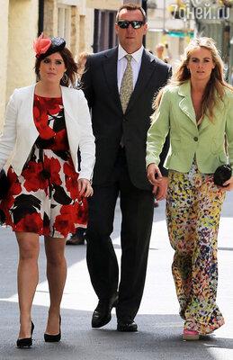 Крессида Бонас впервые была представлена принцу Гарри своей близкой подругой принцессой Евгенией (Евгения — двоюродная сестра Гарри) в мае 2012 года