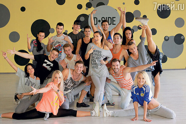 Ани Лорак со своими артистами