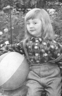 «Дочку Гурченко после развода отправила кродителям — нанее у Люси сил не оставалось». 1963 г.