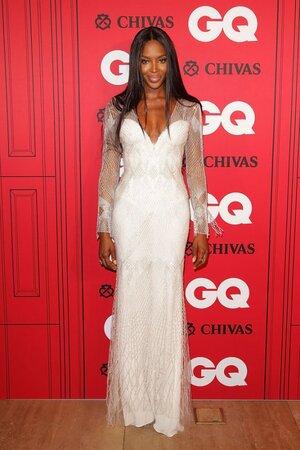Наоми Кэмпбелл в платье от Roberto Cavalli на церемонии «Мужчина года» по версии журнала GQ 2013