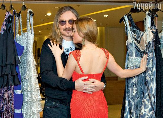 «Не устаю повторять: Игорь — лучший муж на свете!» На Юлии Платье Mandalay