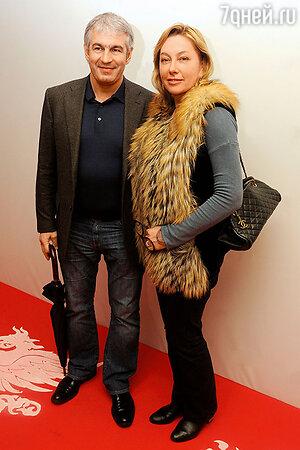 Арина Шарапова с мужем Эдуардом Карташовым.