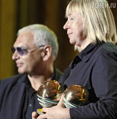 Председатель жюри  фестиваля Карен Шахназаров и обладательница Гран-при Светлана Проскурина