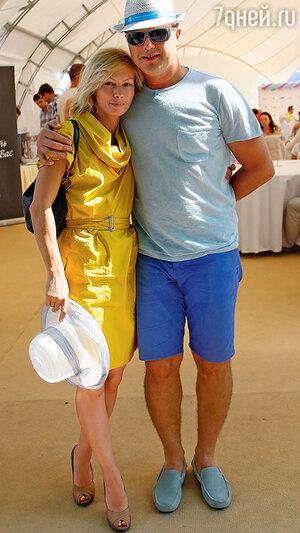 Алена Бабенко с мужем на турнире «Легенды тенниса в Москве». 2013 г.