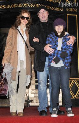 Джон Траволта с семьей